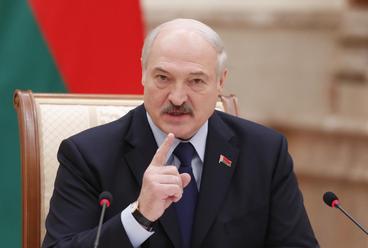 """""""Новый удар в спину Кремля"""": Беларусь будет закупать большую часть нефти через страны Балтии и Украину"""