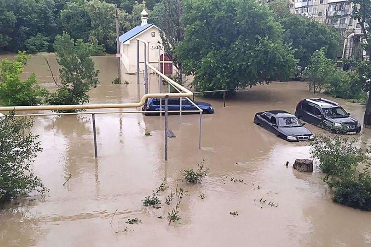 Крым идет под воду: три реки вышли из берегов из-за мощных ливней, Ялта снова под угрозой затопления