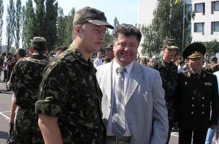 Жена Порошенко подтвердила, что ее старший сын воюет в Донбассе