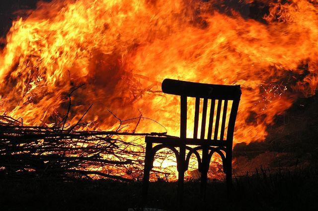 дети, беседка, сосед, пожар, ожоги, конфликт, происшествия