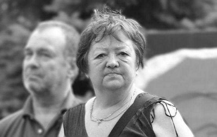 Взяли и отнесли на лавочку: в Сети опубликованы эксклюзивные кадры последних минут жизни дочери Людмилы Гурченко, появились новые подробности смерти Марии Королевой
