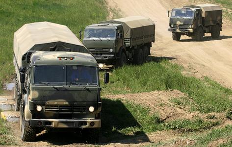 РФ готовит новый виток эскалации: на Донбасс снова массово завозятся российская техника, тонны боеприпасов и горючего