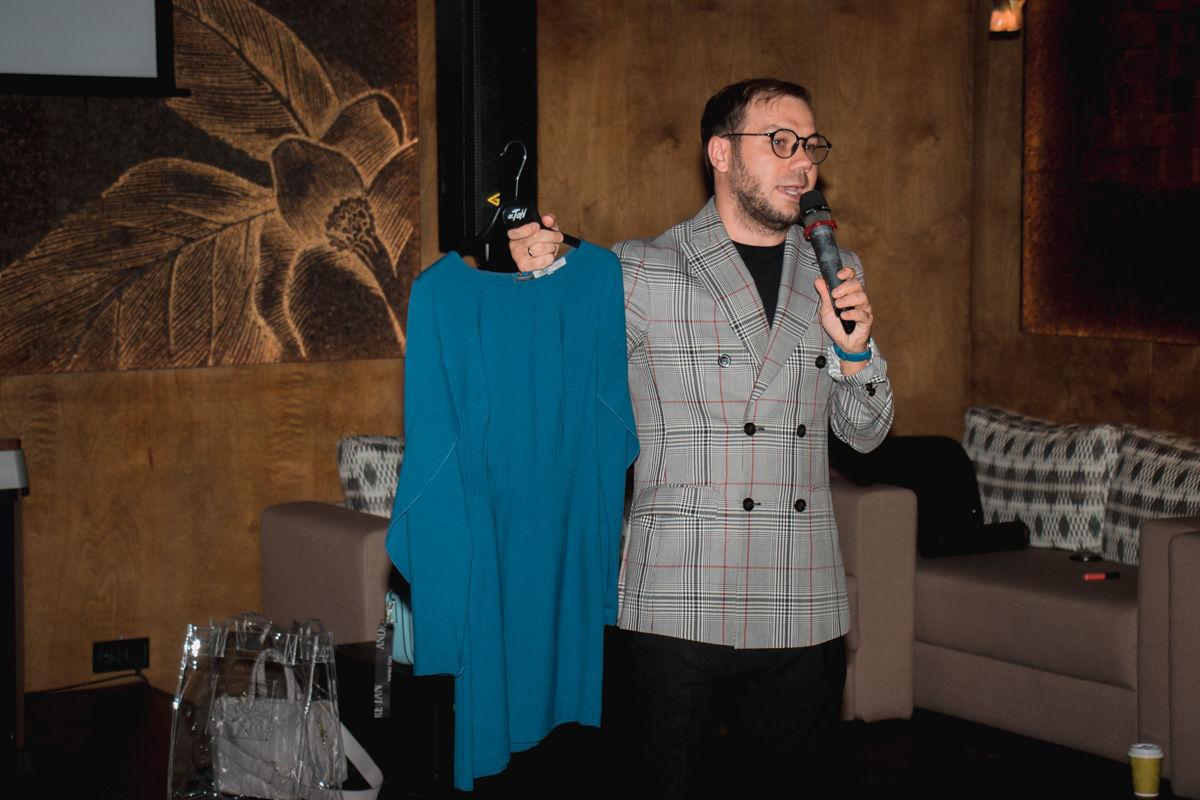 """""""Любая будет суперзвездой"""", – Андре Тан выдал самые модные платья 2021 года"""
