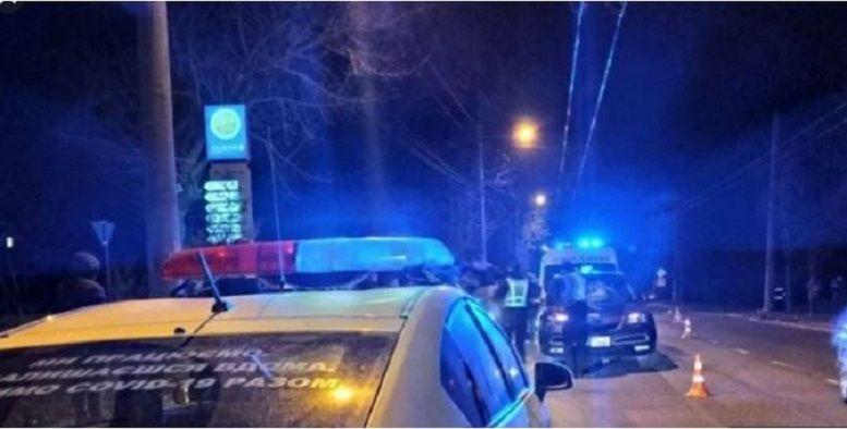 Крышка люка попала в машину с ребенком – мальчик погиб на месте: подробности трагедии во Львове