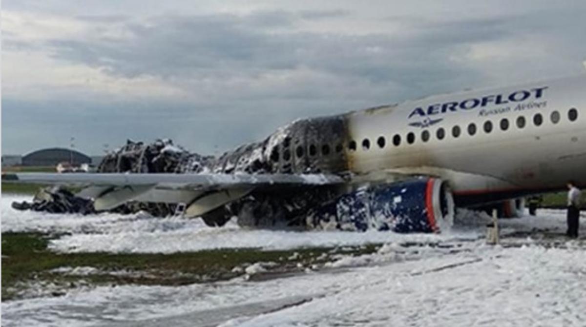Россия, Москва, Шереметьево, Авиакатастрофа, Самолет, Sukhoi Superjet 100.
