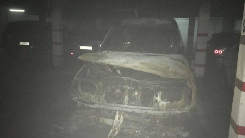 Взрыв в Одессе: на паркинге высотки сгорел автомобиль