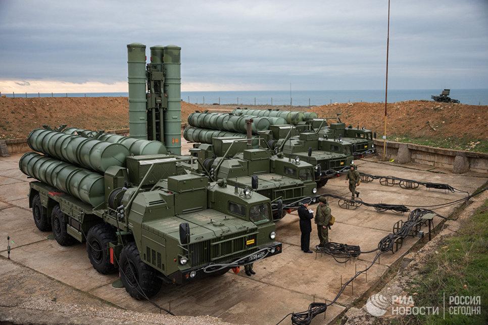 Штаты пригрозили Эрдогану санкциями в случае покупки военной техники у России