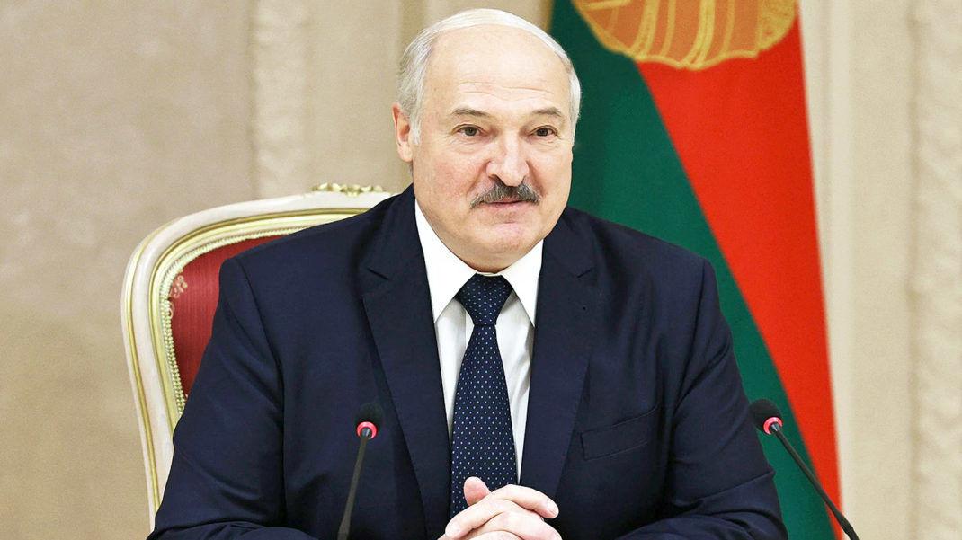 На новогоднем приеме у Лукашенко гостям пели две украинские певицы: СМИ узнали, кто поехал к диктатору