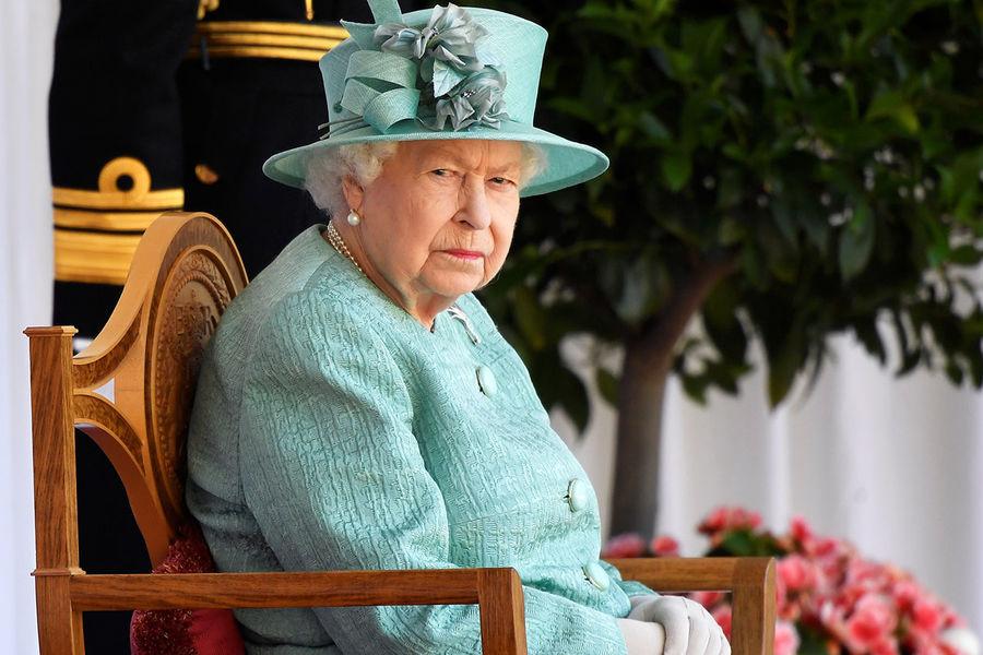 В СМИ попал секретный сценарий похорон Елизаветы II: королеву похоронят лишь на десятый день после смерти