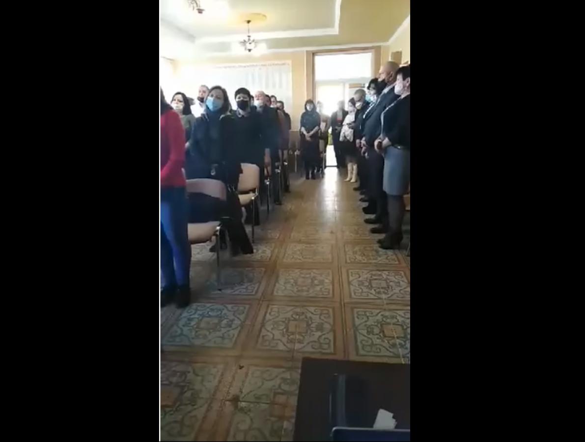 На Закарпатье депутаты после присяги вместо гимна Украины спели гимн Венгрии: видео вызвало скандал