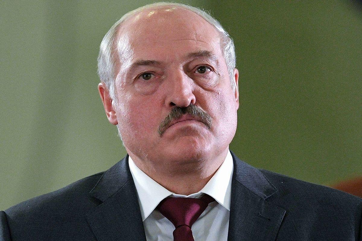 """До распада режима Лукашенко осталось полгода, из-за этого он """"набросился"""" на Украину"""