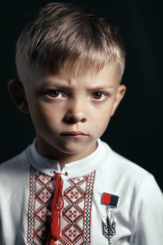 История, рвущая душу по живому : украинцев растрогали слова 5-летнего сына Героя АТО Екатерины Носковой, героически погибшей при спасении сослуживцев под Горловкой