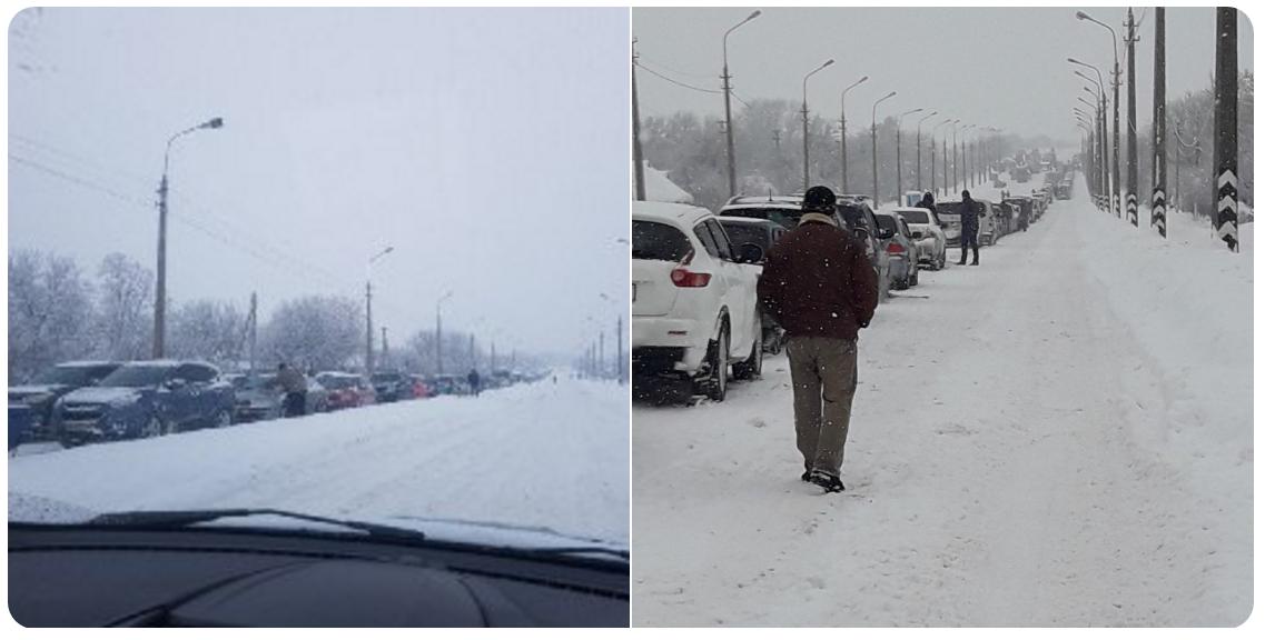 Сотни пеших и километры машин: люди мерзнут в гигантских очередях на постах боевиков в Горловке и Еленовке - кадры