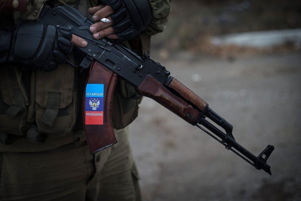 Украинские военные захватили ополченца ЛНР