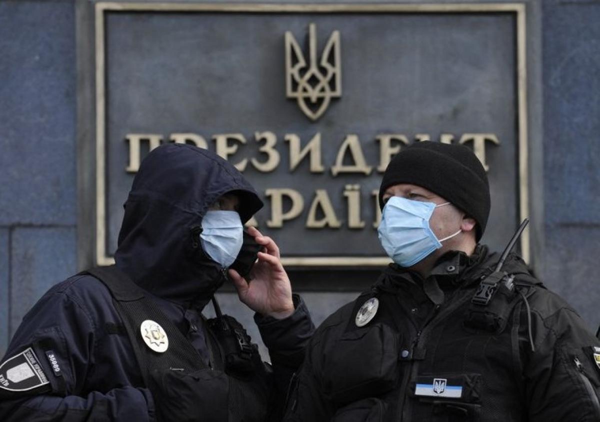 Власти Киева вводят в городе чрезвычайное положение из-за коронавируса: что известно