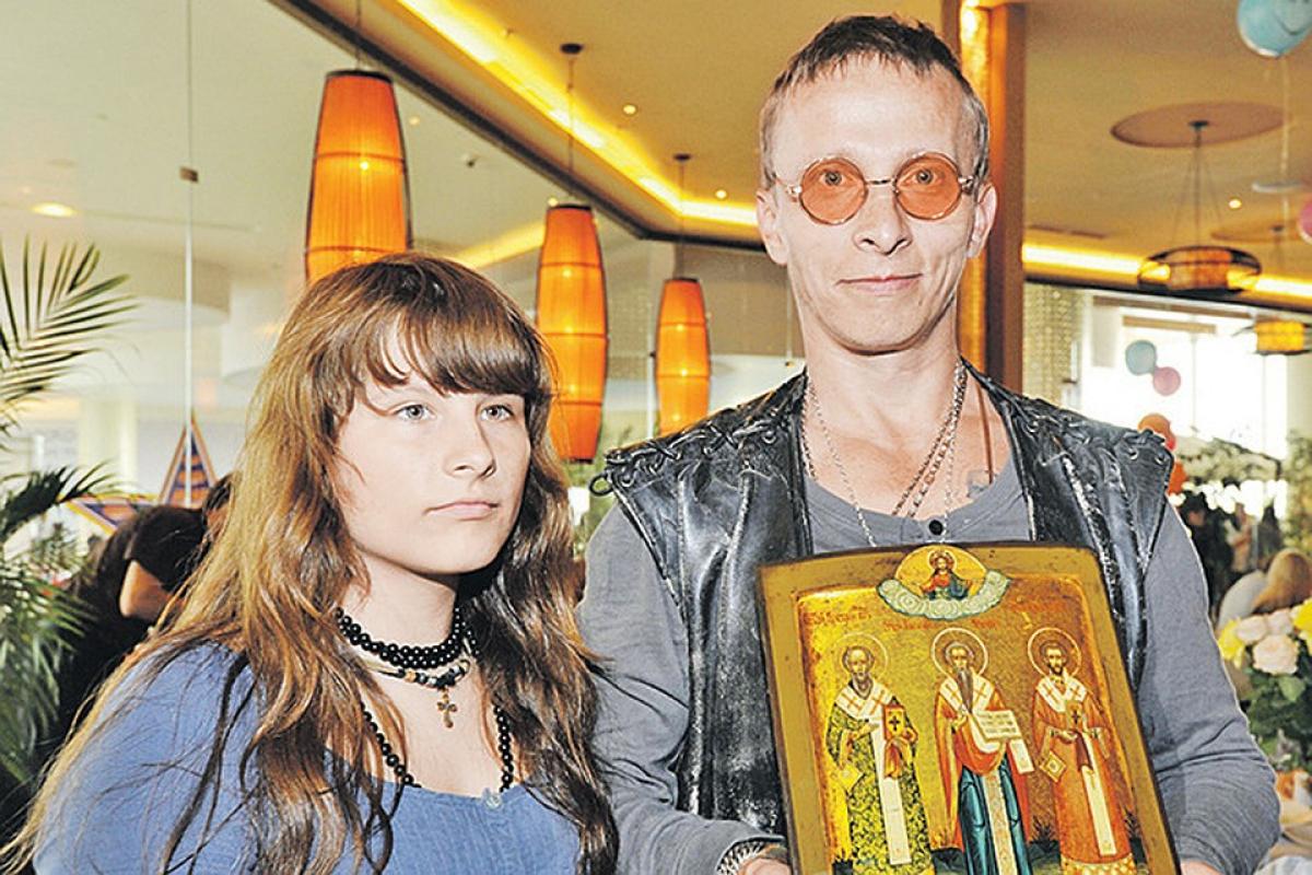 У дочери Ивана Охлобыстина обнаружили COVID-19:отец в зоне риска