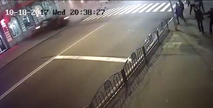 Не для слабонервных: опубликовано основное видео смертельного ДТП в Харькове