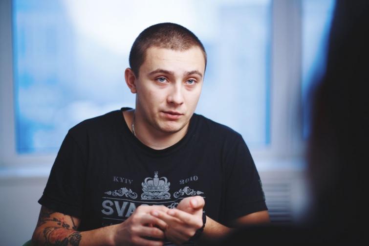 """Выстрелил в затылок: в Одессе совершили покушение на экс-главу отделения """"Правого сектора"""" Стерненко - кадры"""