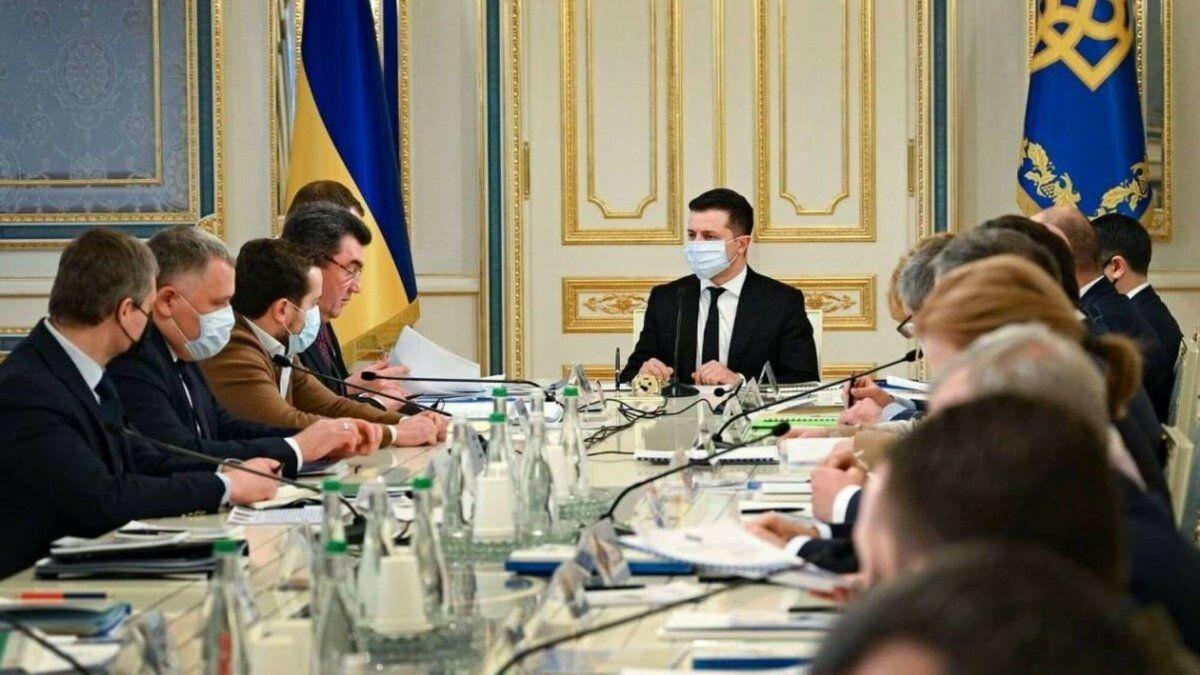 """""""Он хочет нарастить влияние"""", – источники сообщили, кто является главным инициатором санкций СНБО"""