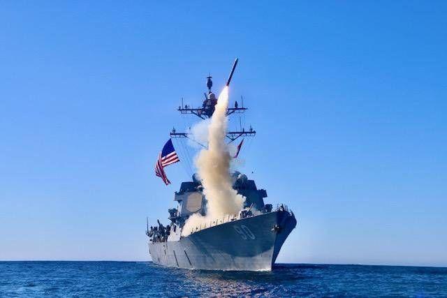 Для сдерживания России: США отправляют в Черное море корабли с крылатыми ракетами Tomahawk Block V