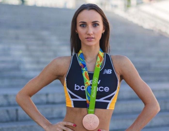 """""""В этом фото все прекрасно"""": Ризатдинова в соблазнительном купальнике показала себя без фильтров"""