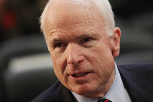 """""""Вы не знаете о тысячах людей, убитых Владимиром Путиным? Или вы пропустили все это?"""", - американского сенатора Джона Маккейна возмутила позиция ставленника Трампа на пост замминистра обороны в вопросе предоставления Украине оружия"""