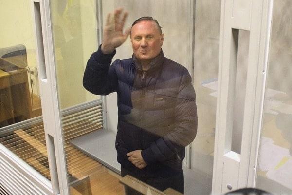 """ГПУ """"прогнулась"""" под Александра Ефремова: регионалу вернули залог и сняли все обвинения в разжигании межнациональной розни"""