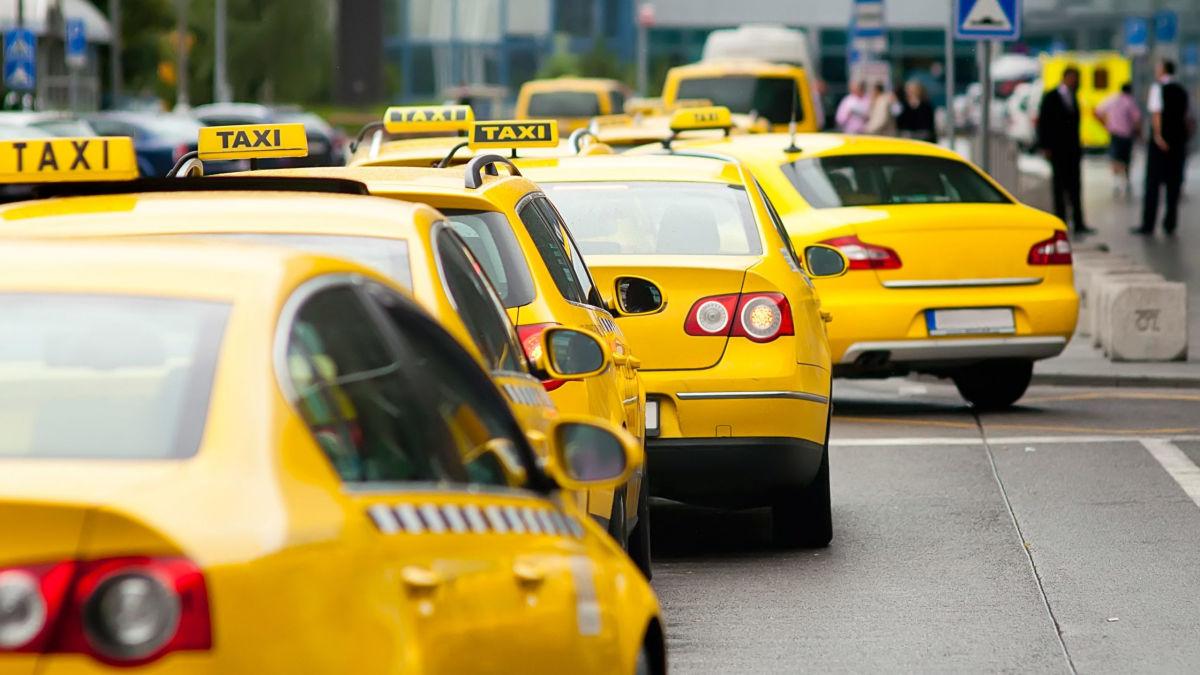 Цена на услуги такси в Украине резко взлетела вверх: названы причины