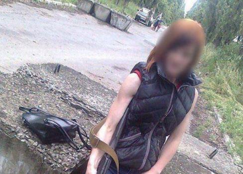 """Террористка """"ДНР"""" ехала к жениху в Киев, а попала в руки защитников Украины – кадры и подробности задержания"""