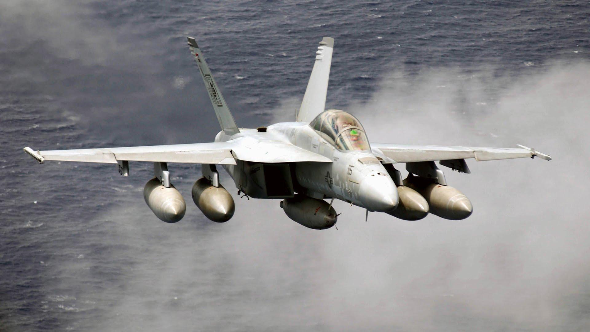 """США разместят в Японии крупнейшую авиабазу с десятками штурмовиков – в Кремле ожидается новая версия о """"внешней угрозе"""""""
