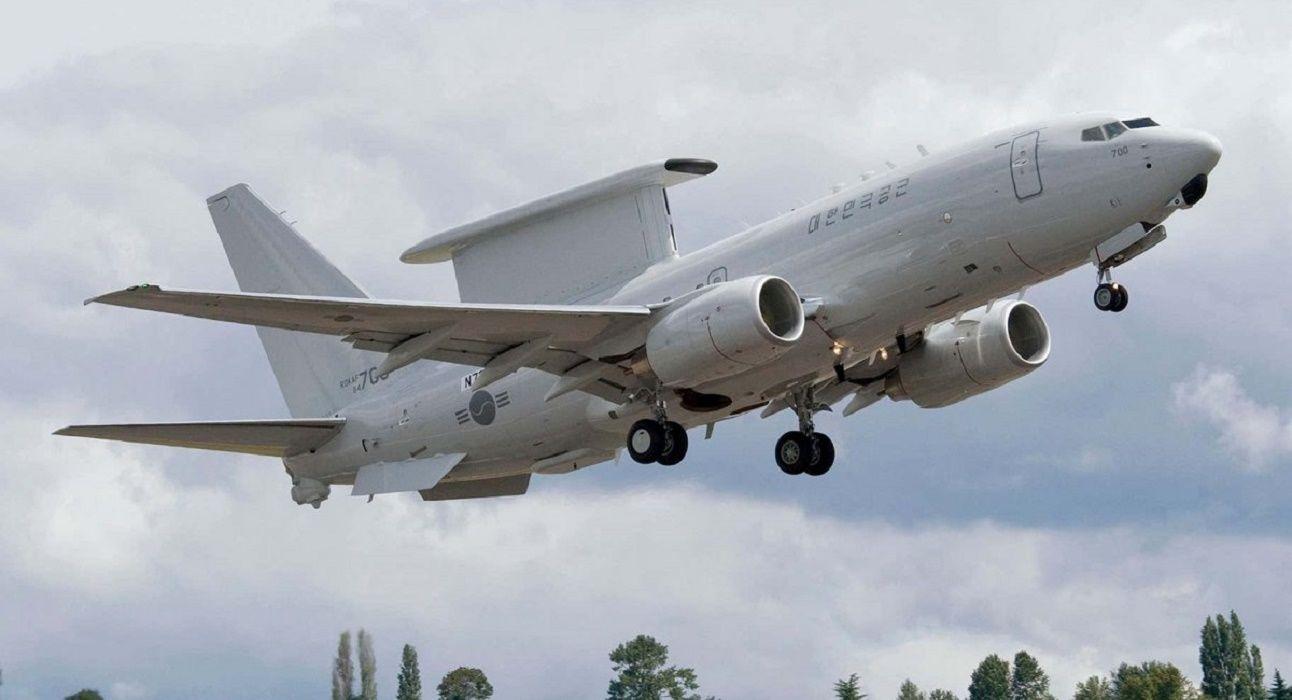 """США рассматривают вариант покупки для своих ВВС """"экспортного"""" самолета радиолокационного дозора AWACS E–7"""