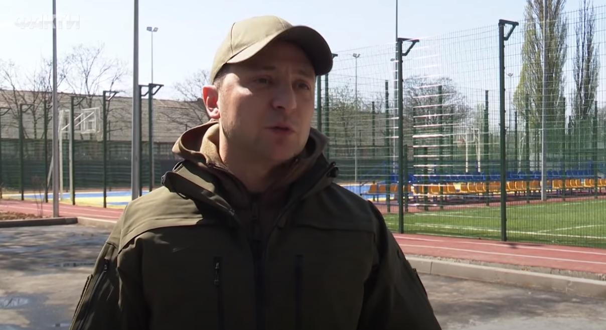 """""""Обычные люди тоже герои"""", - Зеленский об обмене пленными с боевиками на Донбассе"""