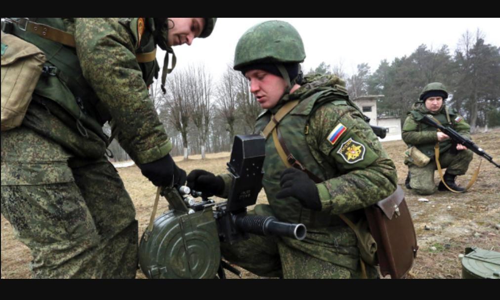 Российские войска вблизи Новгородского сбрасывают с БПЛА детские игрушки, начиненные взрывчаткой: появилось видео