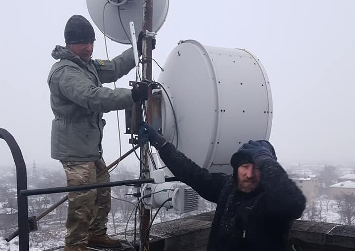 В Торецке установили вышку, которая достает до оккупированной Горловки, - на Донбассе появится еще одна украинская радиостанция