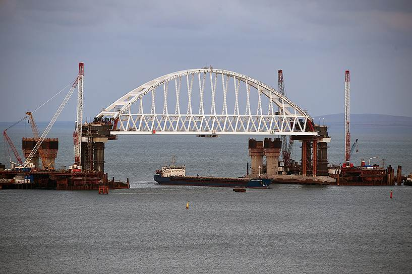 Путин неожиданно едет в Крым: в Кремле сообщили новость о стройке Керченского моста