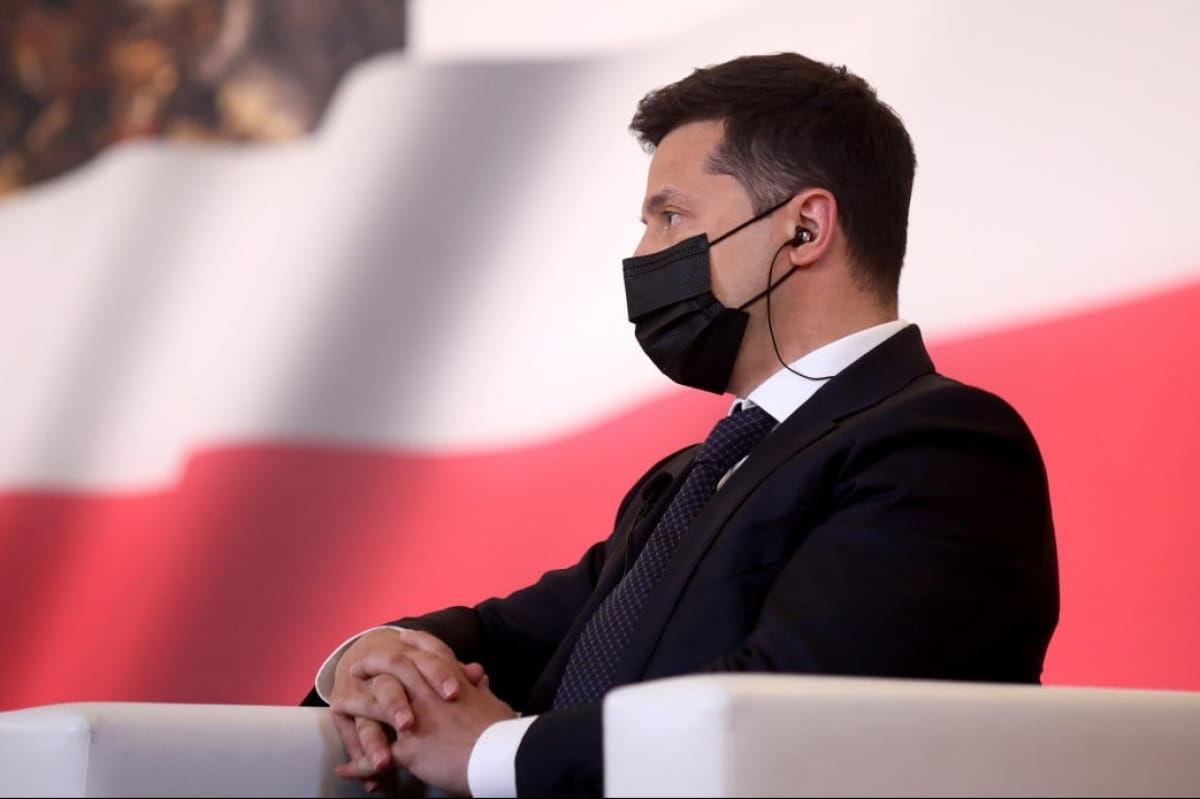 """""""Интересно, о чем он говорил?"""" – Голобуцкий об итогах поездки Зеленского в Польшу"""