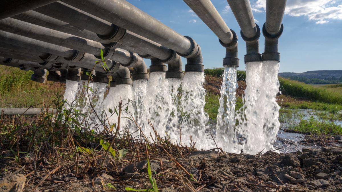 """В Крыму рассказали правду о водоводе, построенном военными РФ: """"Большое количество воды ушло в никуда"""""""