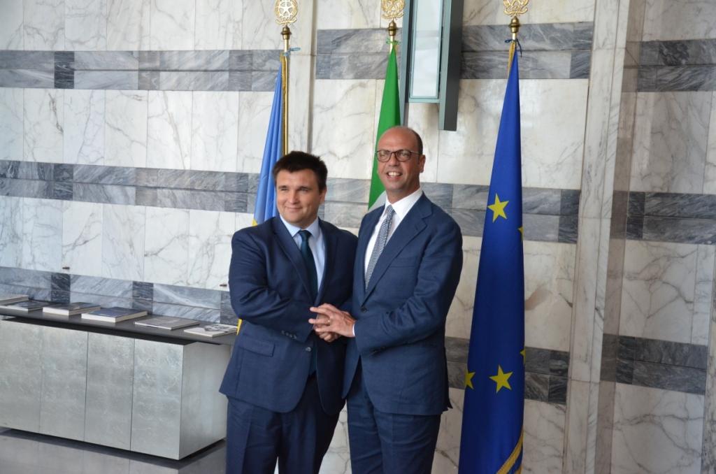Переговоры в Риме:в Италии четко заявили, что не признают оккупированный Крым российским, а российскому журналисту заткнули рот, не дав потроллить Климкина
