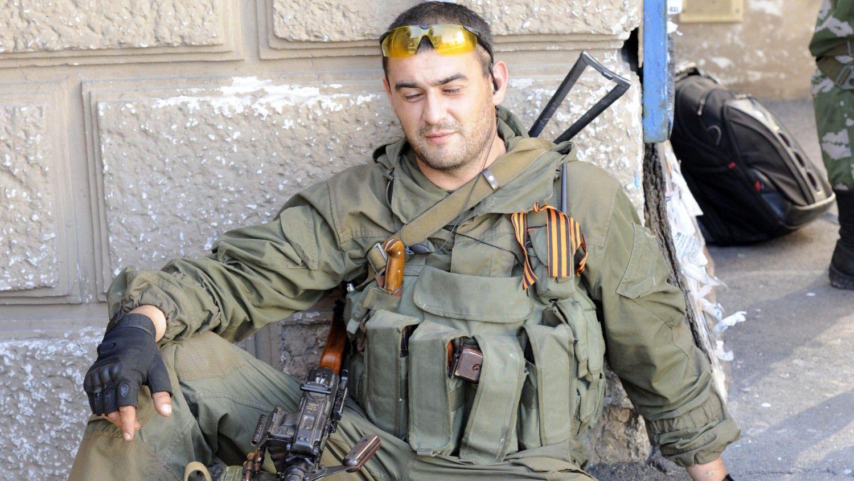 """""""Там полный треш. Кто-то после передоза умер прямо в окопе. Кого-то из-за сломанной ноги забили прикладами"""", - блогер о том, как террористы """"освобождают"""" Донбасс от """"бандеровцев"""""""