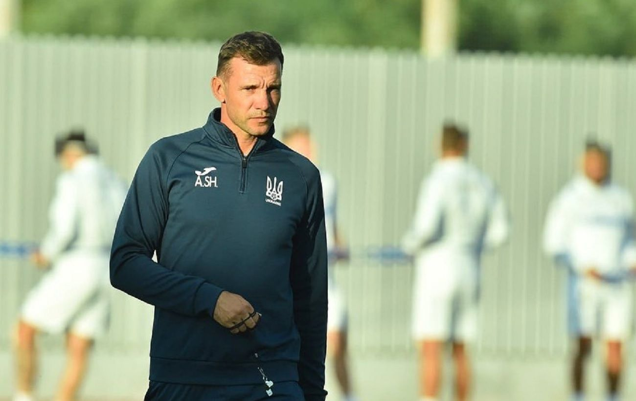 Украинским футболистам накануне матча Евро - 2020 со шведами помогали британские функционеры