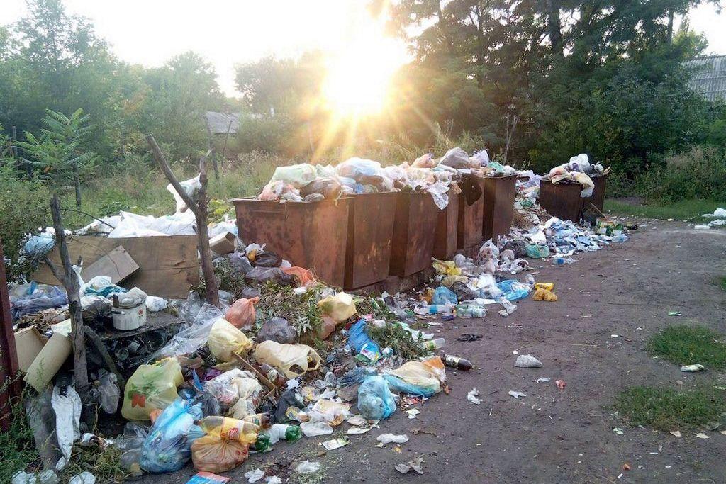"""ЛНР"" накрыл мусорный коллапс: сепаратисты бьют тревогу из-за проблемы"