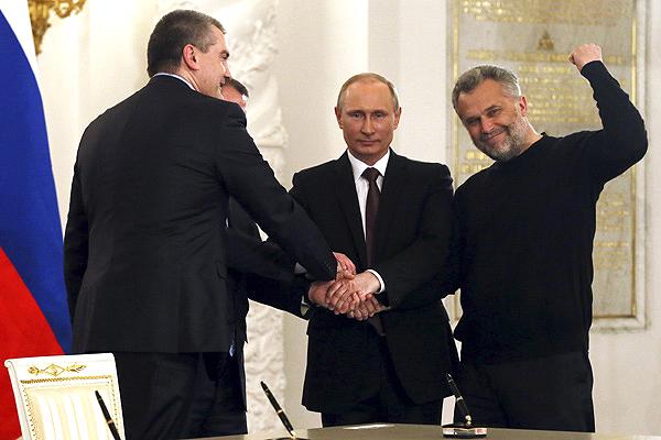 """""""Без боевых действий и убийств"""", - Путин рассказал, как в 2014 году Россия аннексировала Крым"""