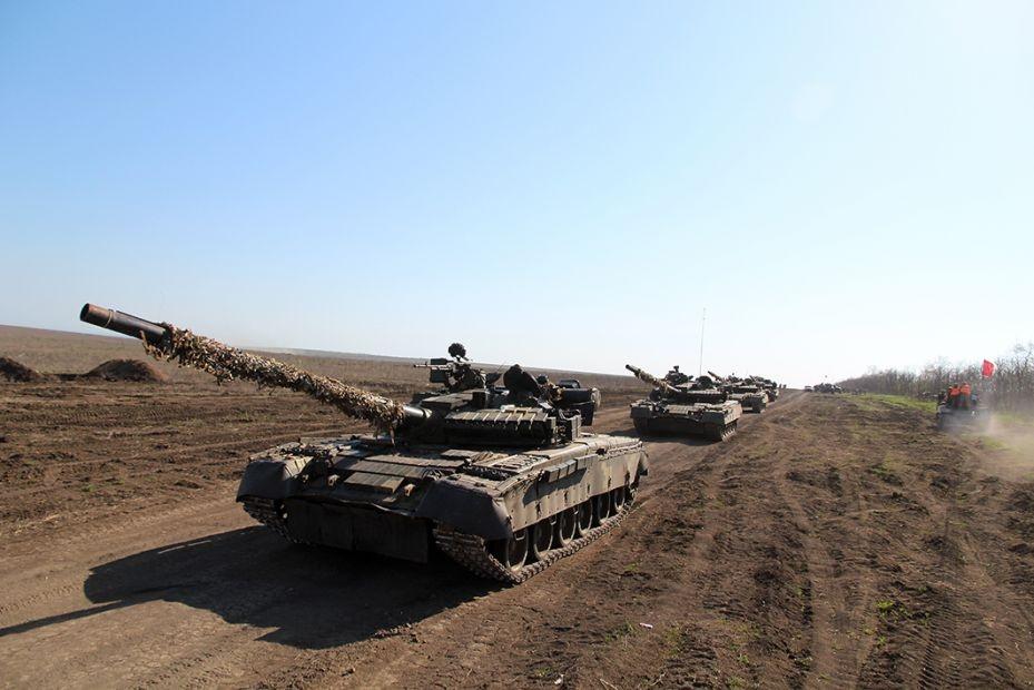 ВСУ перебросили большое количество тяжелого вооружения к побережью Азовского моря - названа причина