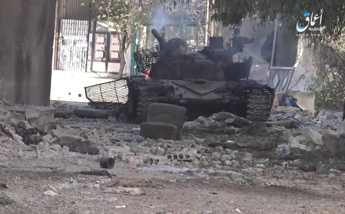 """Россияне в Сирии потеряли редчайший модернизированный танк: СМИ рассказали, чего именно лишились российские военные и """"асадовцы"""" - кадры"""