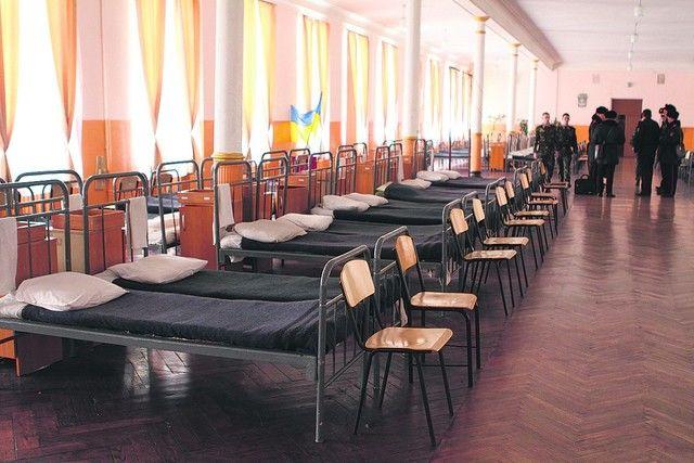 ЧП в Черниговском лицее: после избиения 17-летнего курсанта парню пришлось удалить селезенку