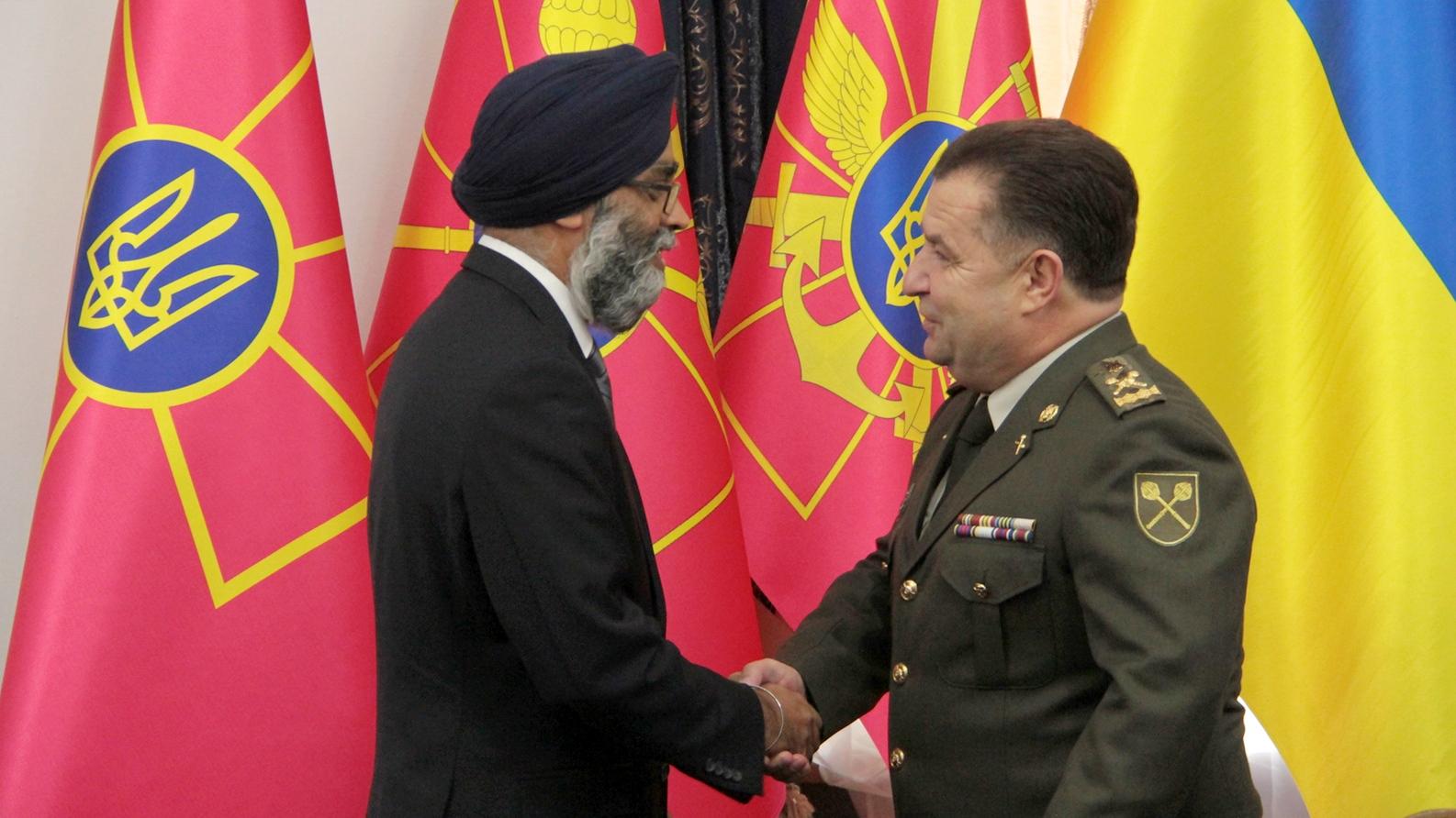 Поставки оружия - только первый шаг: Канада решительно готова расширить военную помощь ВС Украины для борьбы с агрессией РФ - министр Саджан