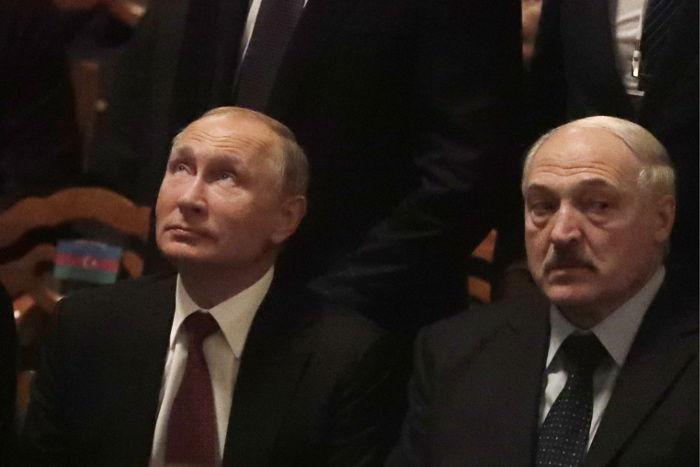 """Лукашенко высказался о взаимоотношениях с Путиным: """"Нас загнали в одну команду"""""""