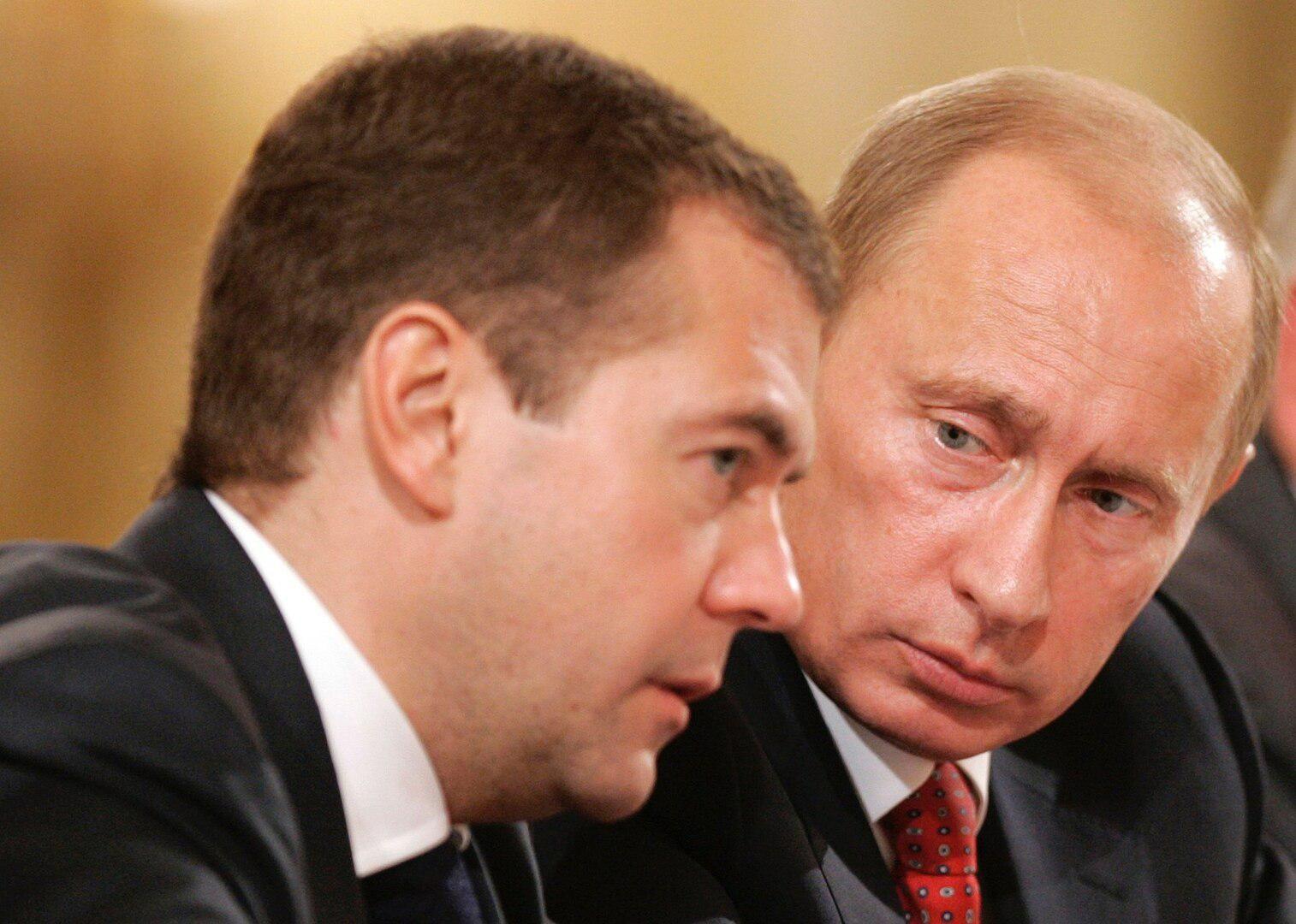 Медведев публично выставил Путина глупцом из-за Украины