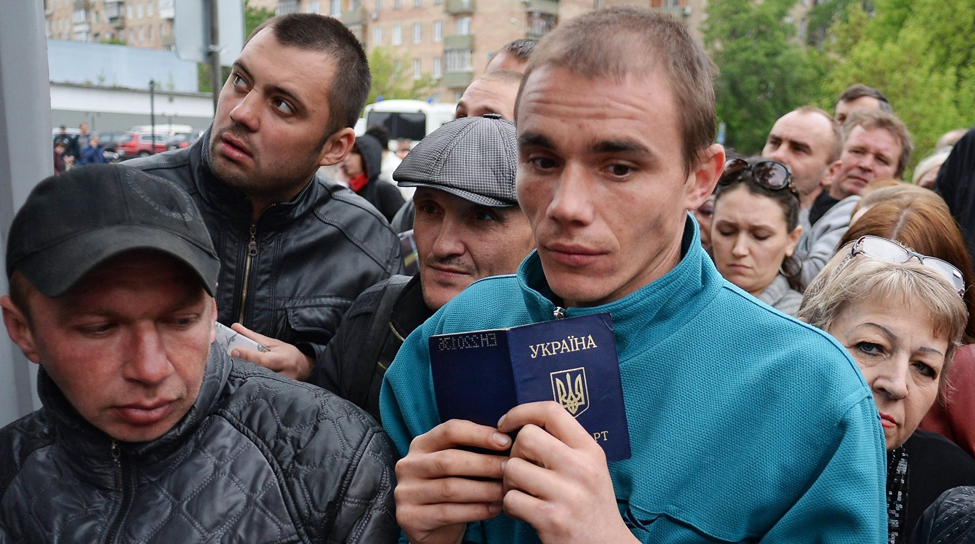 Надежные инвестиции: НБУ разузнал, сколько средств заробитчане присылают в Украину
