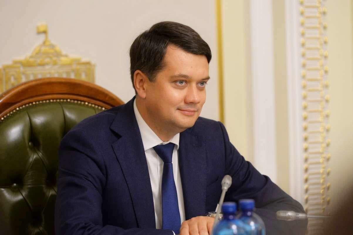 Разумков пояснил, будет ли создавать партию с Гройсманом и Кличко в противовес Зеленскому